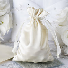 "4 x 6"" Ivory Satin Bags"