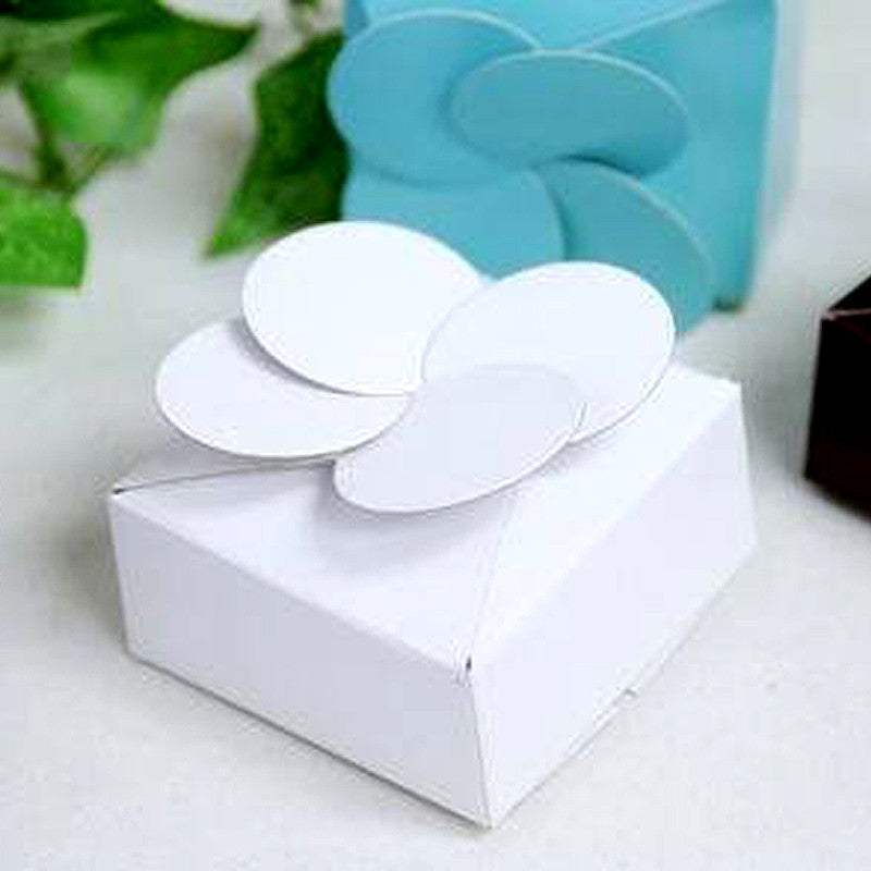 White Petal Top Favor Box -100pc