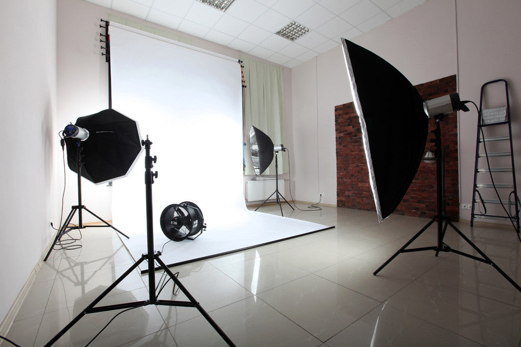 600 Watt Professional Photography Photo Video Portrait Studio Day Light Black/Silver Umbrella Continuous Lighting Kit