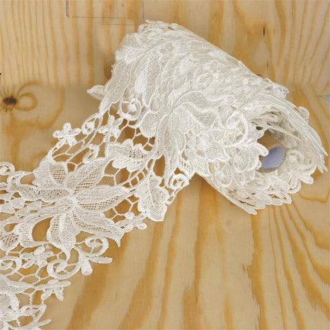"Aquilegia Swirl Crocheted Heavy Lace Ribbon Trim 7.9"" x 5yards - White"
