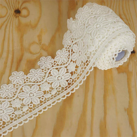 "Petunia Wave Crocheted Heavy Lace Ribbon Trim 3.5"" x 5yards - White"