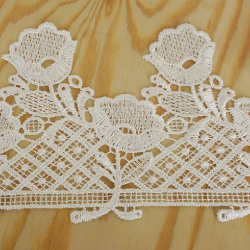 "It's Rainin' Tulips Crocheted Heavy Lace Ribbon Trim 3.55"" x 5yards - White"