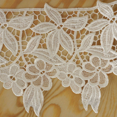 "Muchos Flores Crocheted Heavy Lace Ribbon Trim 6.3"" x 5yards - White"