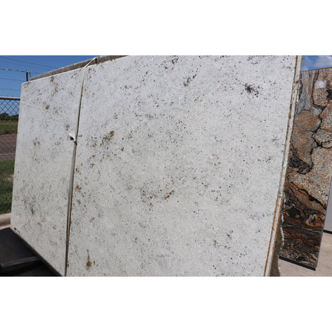 Colonial White 2CM Granite 75X131  68.22 SF/Slab | Lot #: S500117