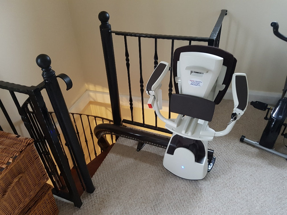 Acess BDD Flow 2 A Curved Stairlift Spiral Narrow Staircase