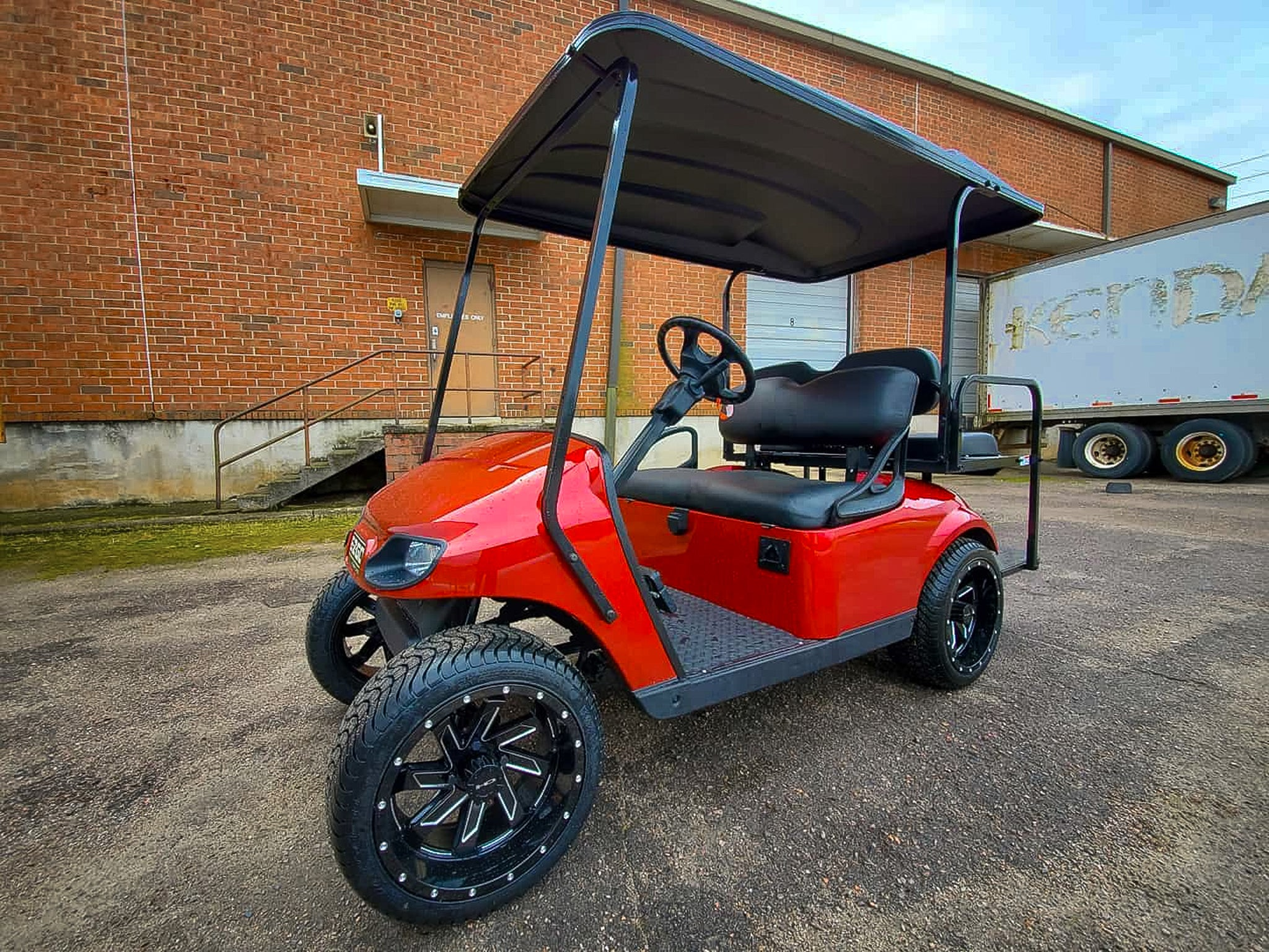 GALLERY | 2016 EZGO TXT on HD Golf SAW - Gloss Black Milled Edge (red)