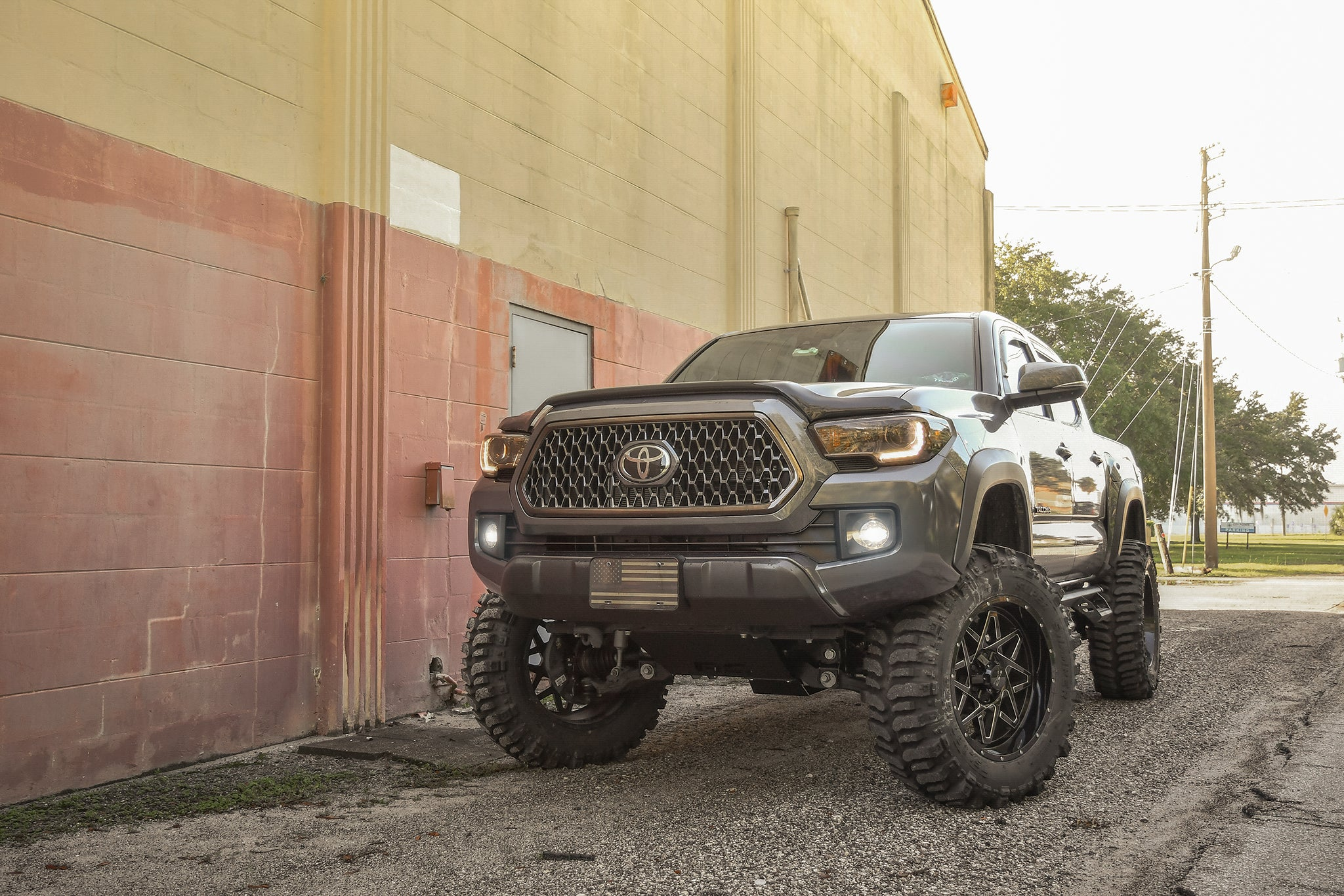 Gallery | Toyota Tacoma on HD OFF-ROAD Gridlock w/ 35 inch boggers