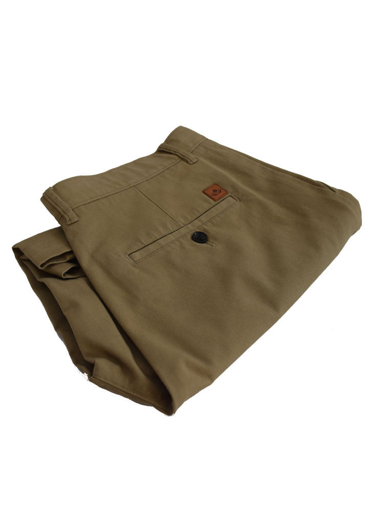 Folded Italian chino shorts