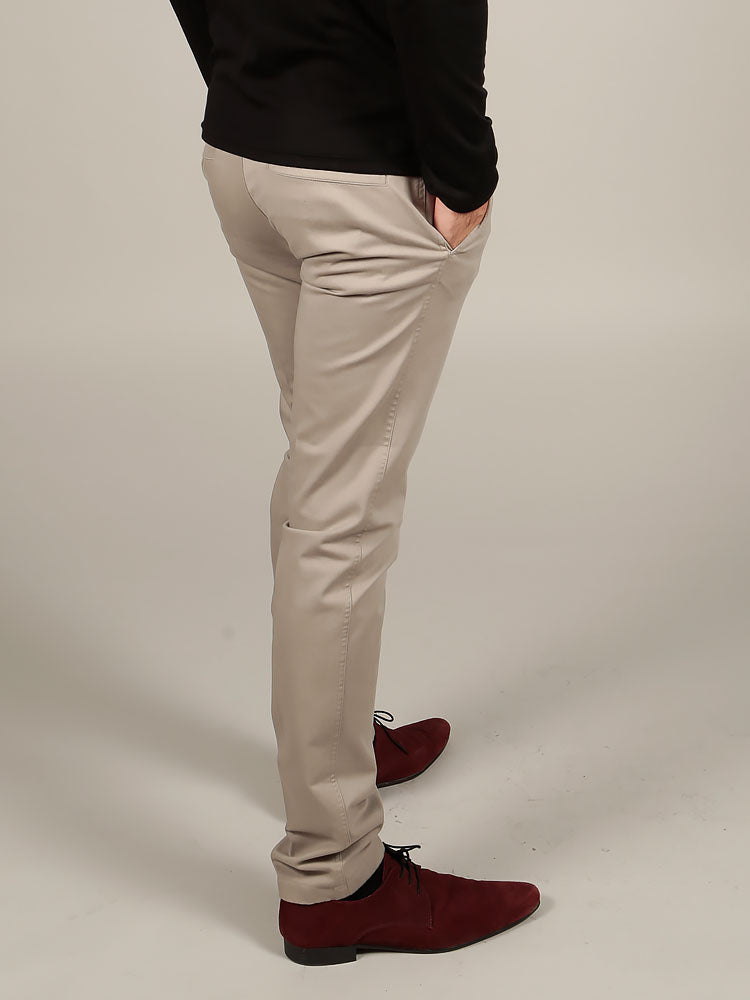SLIM FIT CHINO TROUSERS – LIGHT GREY