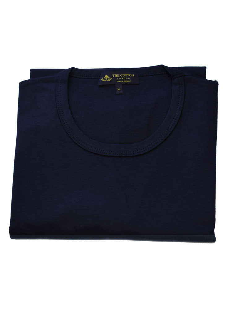 Ribbed crew neckline on t-shirt