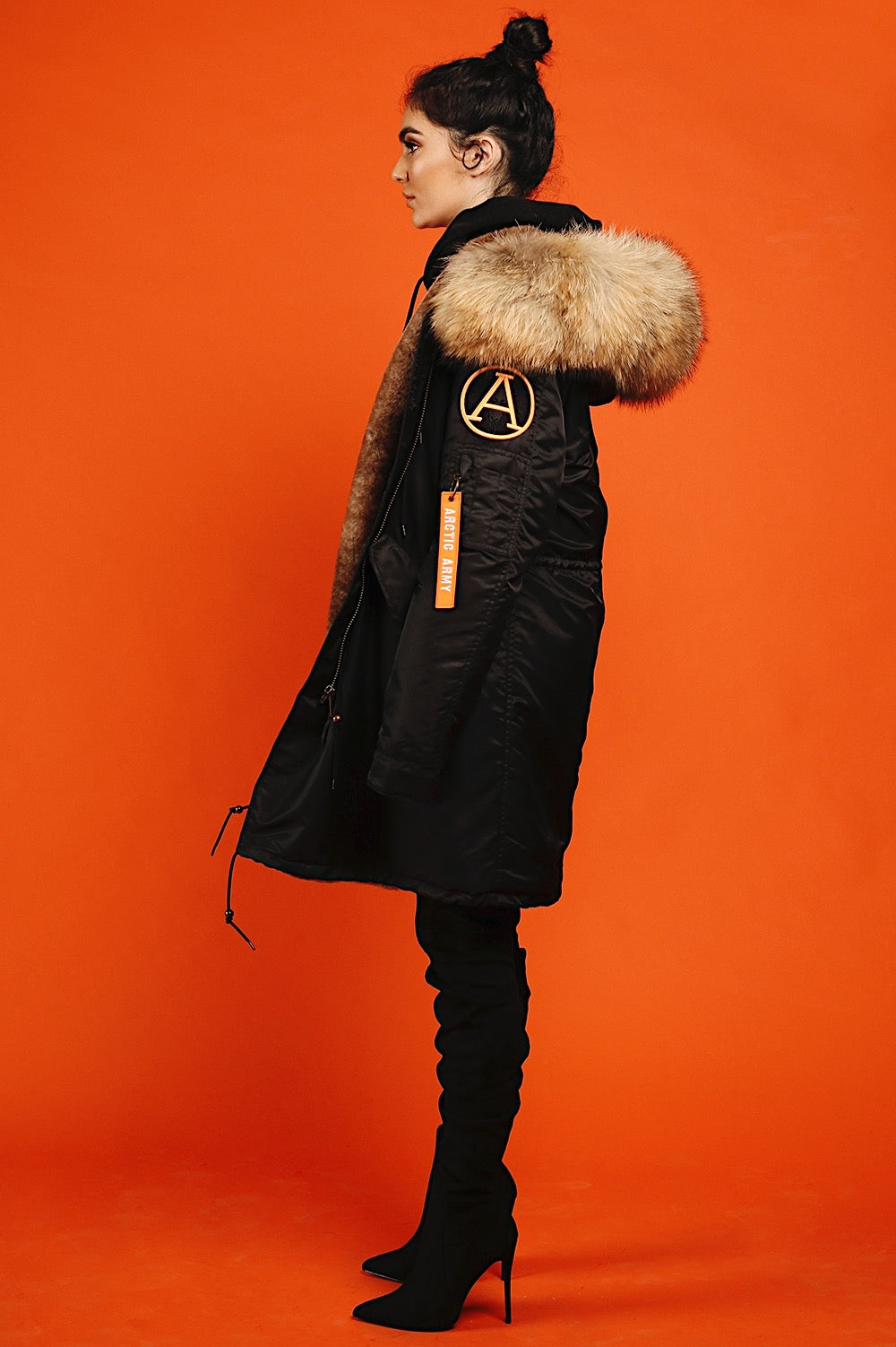 BLACK NATURAL PARKA