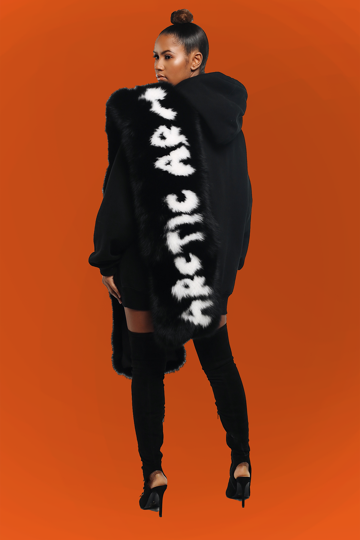 BLACK GRAFFITI SCARF