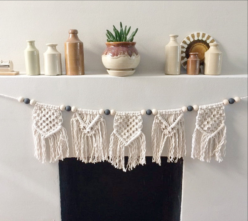 Beau Macrame bunting vintage chic white by-me