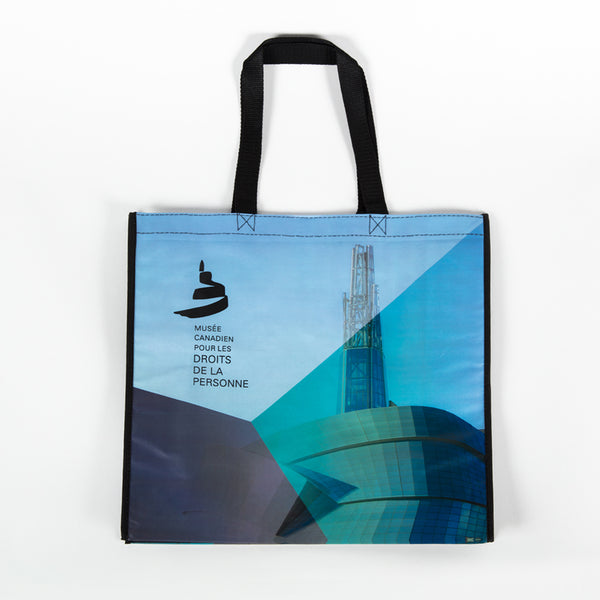 "Tote bag featuring the Museum, the Israel Asper Tower of Hope and the text ""MUSÉE CANADIEN POUR LES DROITS DE LA PERSONNE"""