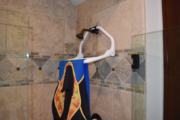 Malo'o DryRack in Shower