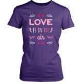 Egoteest: Love is in the Air, Romantic Women's T-shirt