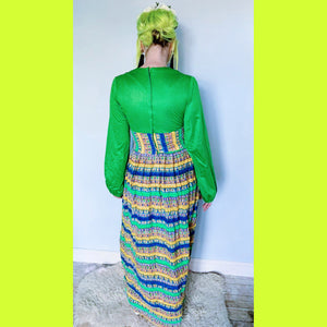 Balloon / puff sleeved 70s hippy maxi dress , green patterned, boho, festival