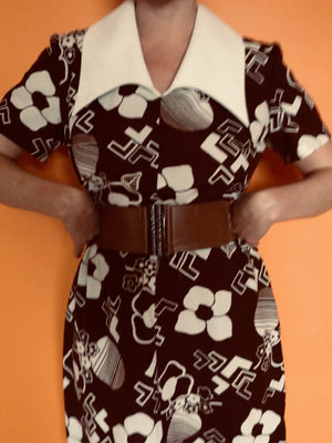 60s Brown and White Big Collar Dress