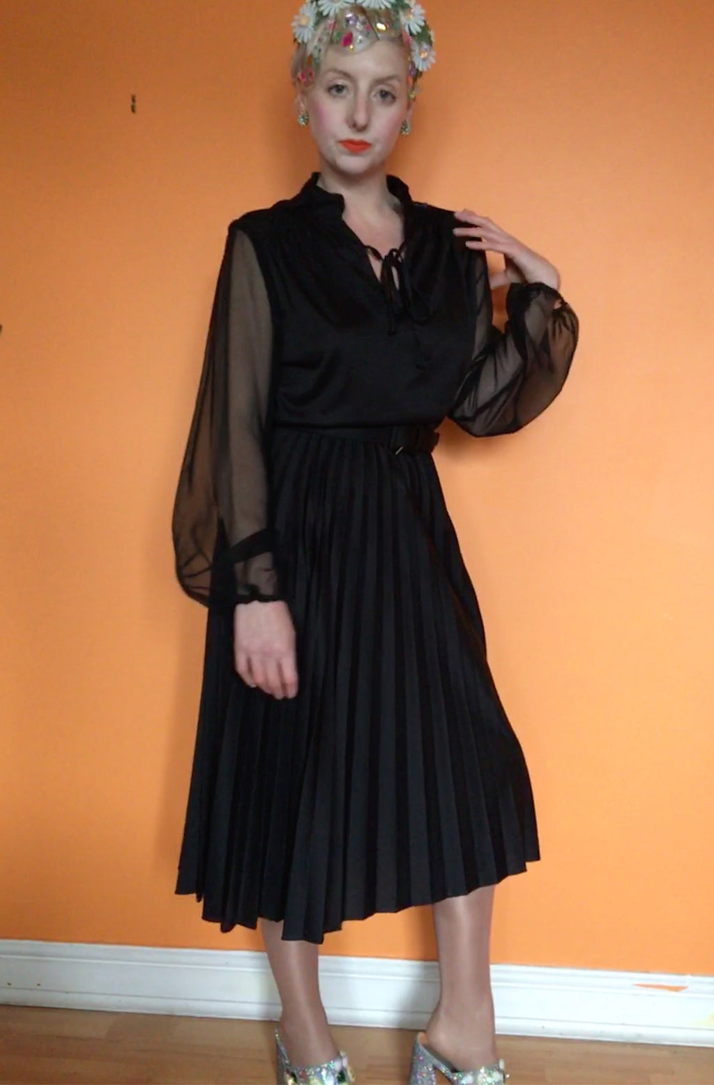 Black Balloon Sleeved Pleated Dress