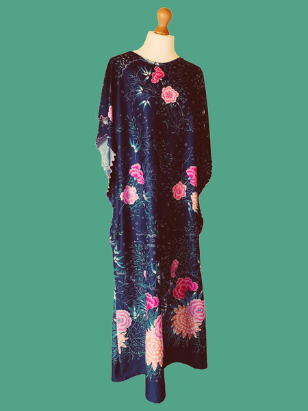70s / 80s one size kaftan dress with floral print