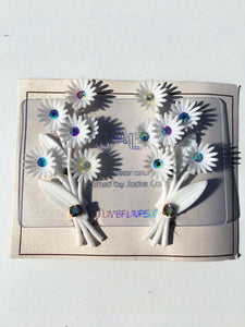 50s Vintage Plastic White Flower iridescent Gem Diamanté Clip on Earrings