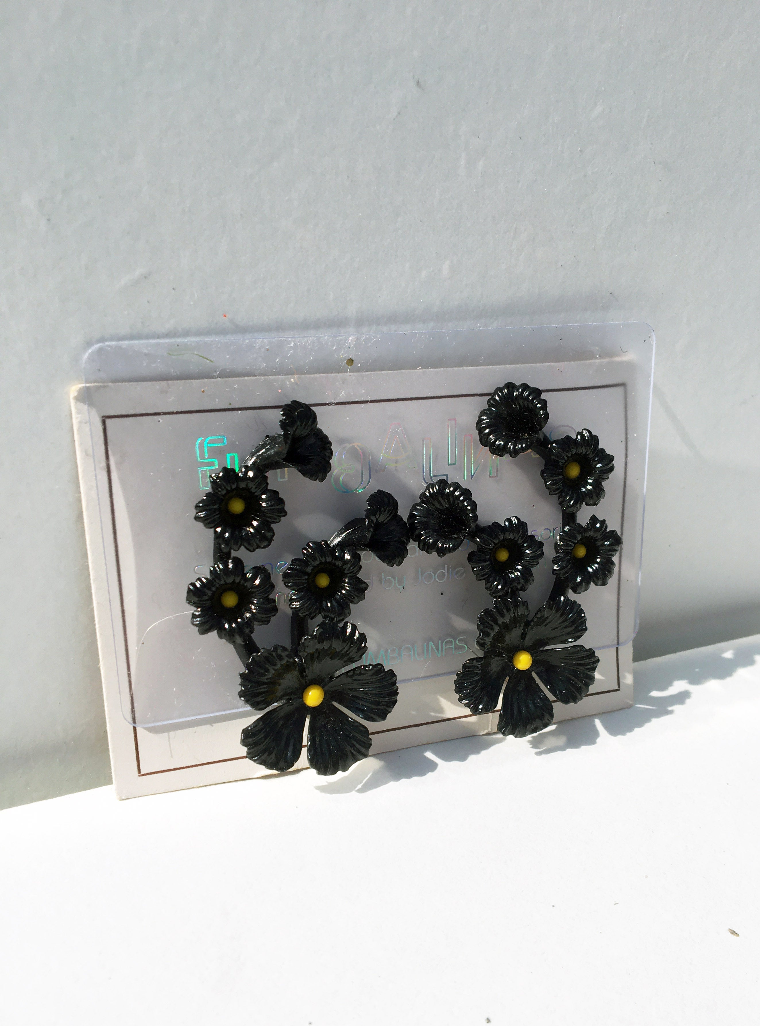 Deadstock 50s Vintage Plastic Black Flower Clip on Earrings