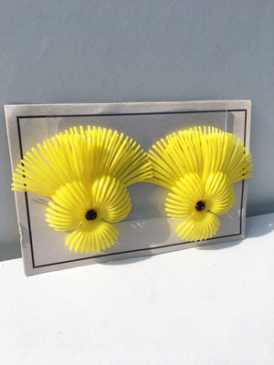 Deadstock 50s Vintage Plastic Yellow Feather Earrings