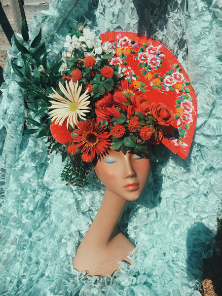 Frida Red and White Roses Daisies Flower Fan vintage headdress / crown