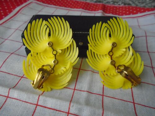 Deadstock 50s Vintage Plastic Yellow Feather Rhinestone Clip on Earrings