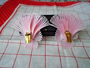 Deadstock 50s Vintage Plastic Pink Feather Earrings
