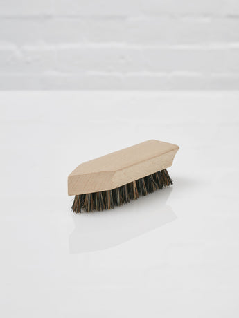 Medium Boot Dirt Brush (Dark)