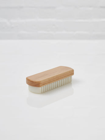 Suede Brush (Beechwood and Crepe)