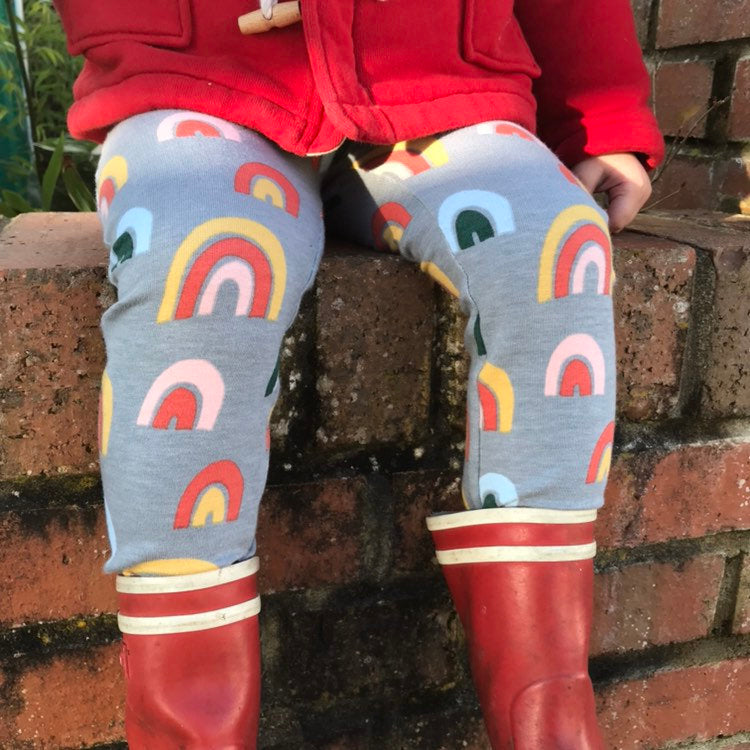 "Eddie & Bee organic cotton leggings in Grey ""over the rainbow"" print (thicker fabric)"