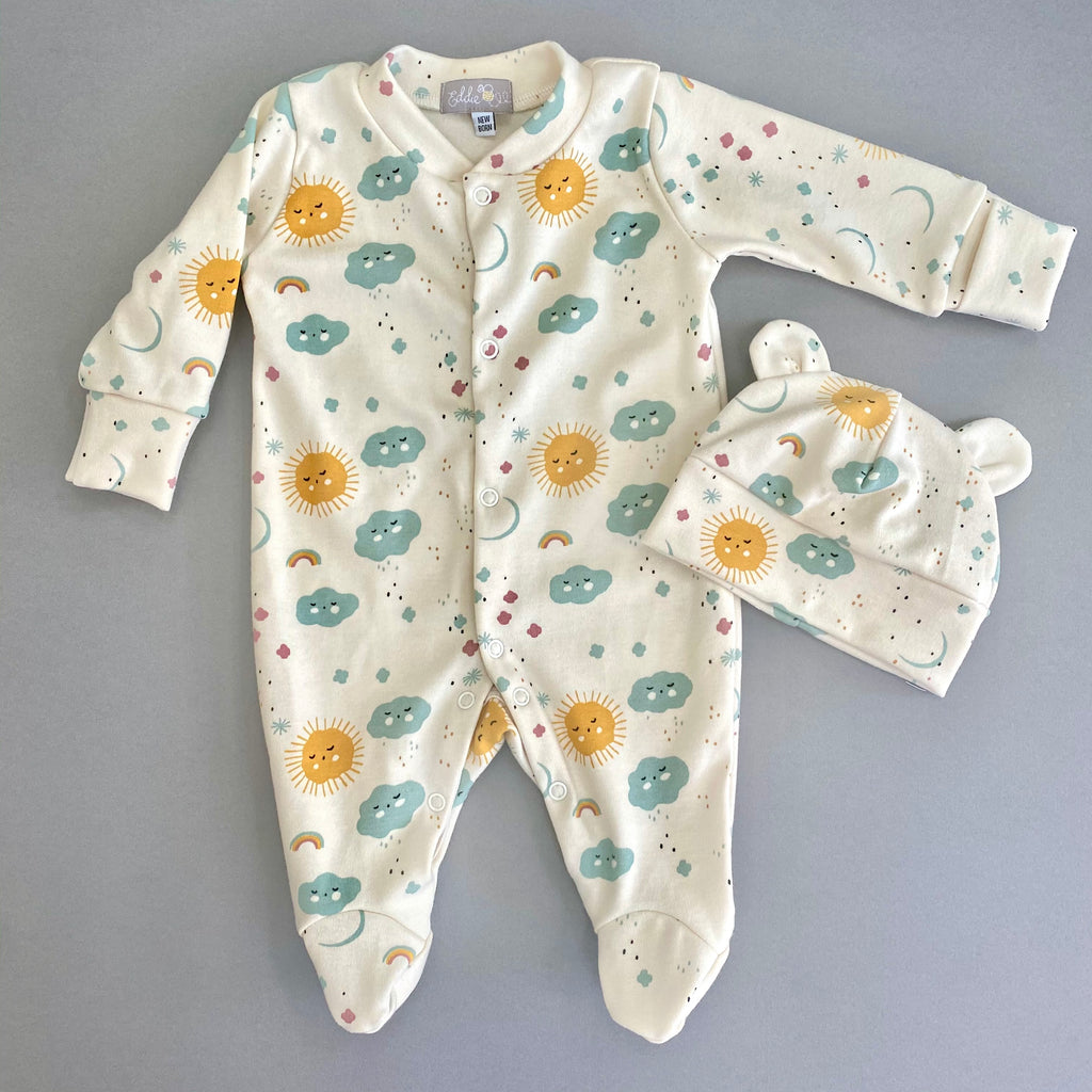 "Eddie & Bee organic cotton Baby sleepsuit  in Cream ""Sweet dreams"" print."