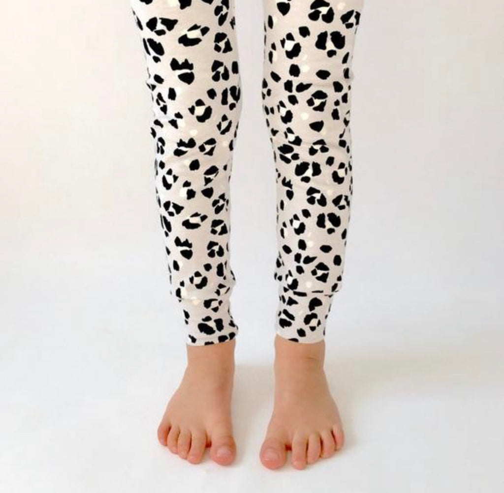 "Eddie & Bee organic cotton leggings in Grey ""snow Leopard Spot"" print."
