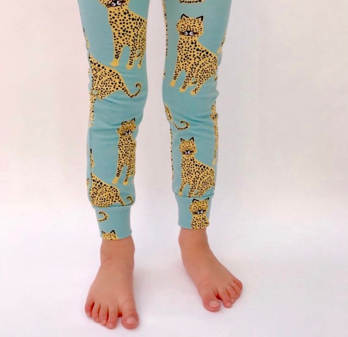 "Eddie & Bee organic cotton leggings in Aqua""Happy leopards"" print."