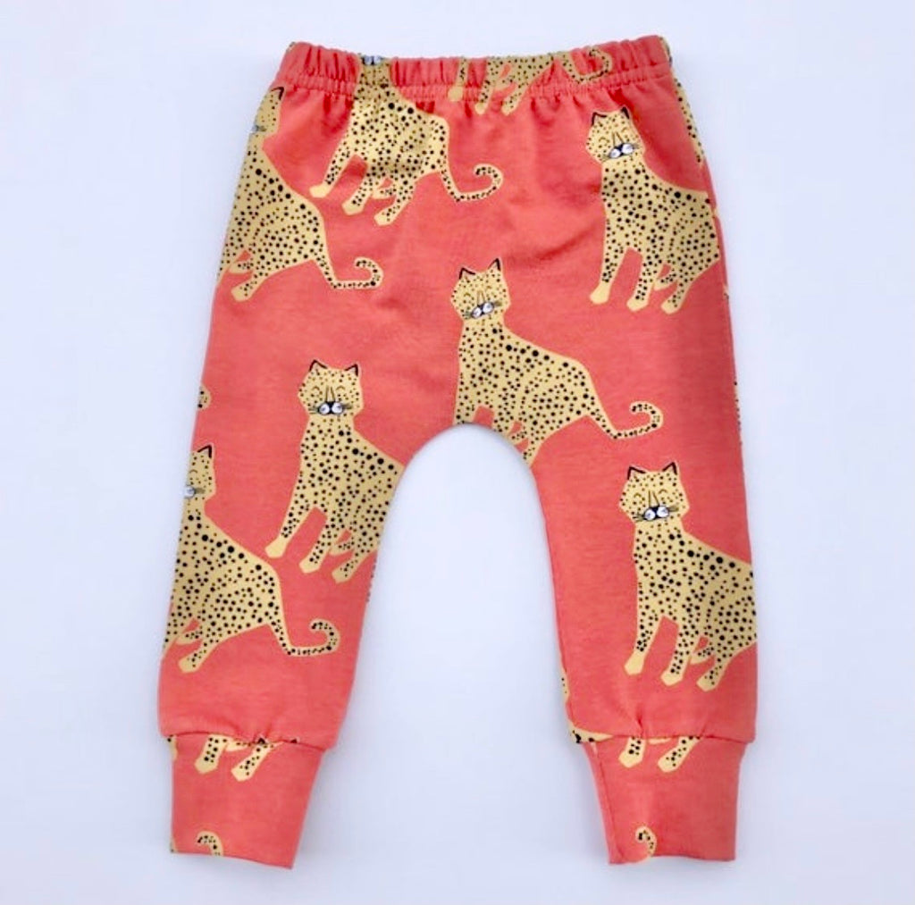 "Eddie & Bee organic cotton leggings in Coral ""Happy leopards"" print."