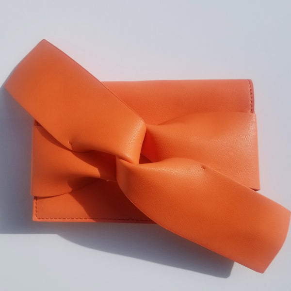 """Oh So Clutch"" - Oversized Bow Clutch"