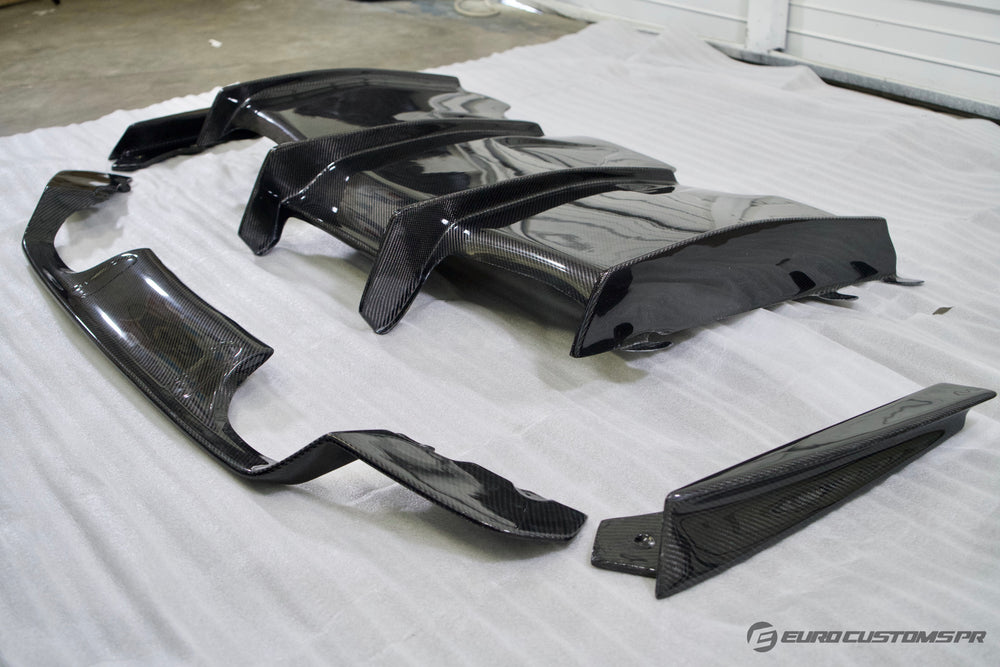 BMW F8x - V1 Carbon Fiber Aggressive Rear Diffuser with Undertray and Side Fins (Made to Order)