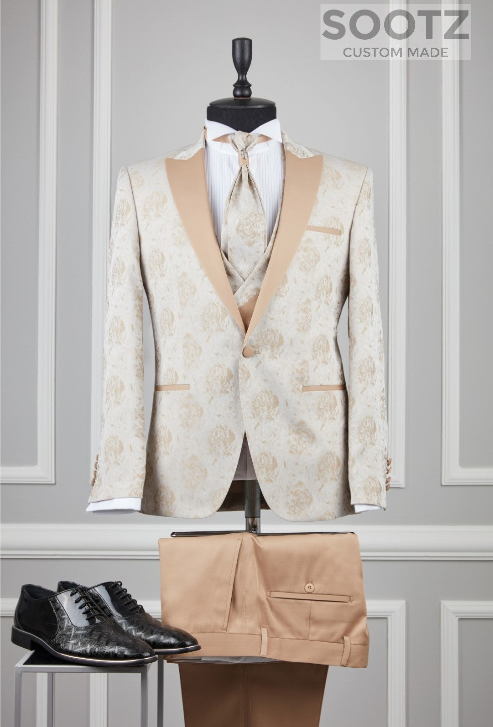 Cream Pattern Tuxedo Set - Cream Peak Lapel