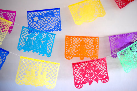 Mexican Christmas Decorations: Papel Picado & Pom Pom Tree Garlands