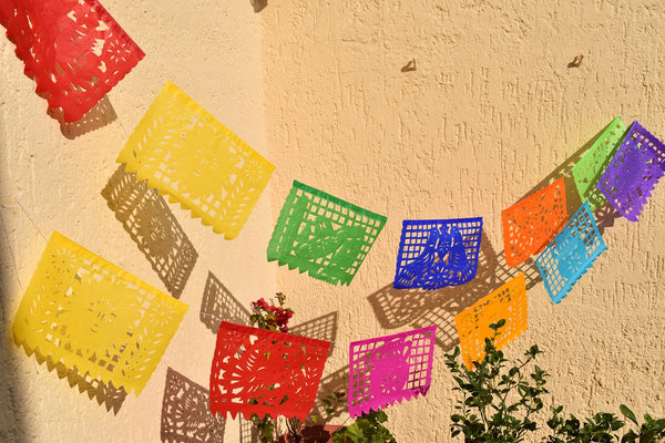 Mexican Bunting | 1 x 4.5 metre / 15 foot Colourful Mexican Paper Banner with 10 Medium Flags - ARTMEXICO