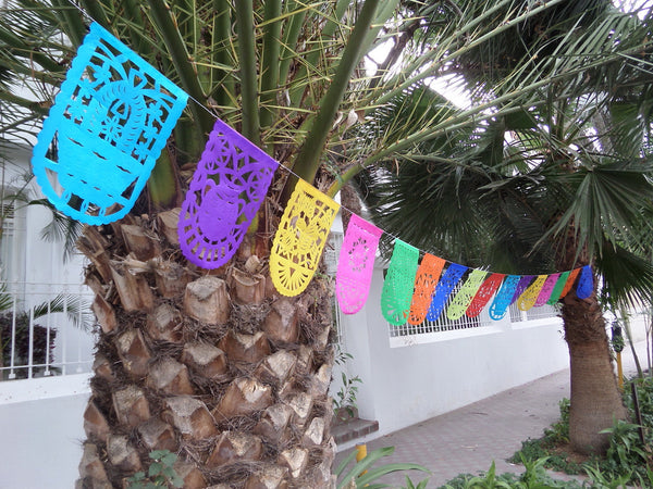Mexican Bunting Papel Picado Party Garland | 5m/16ft Banner with 16 Medium Flags - ARTMEXICO