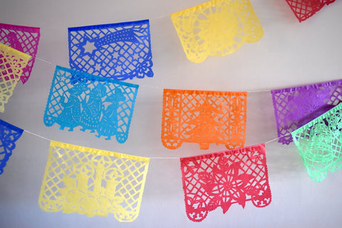 Christmas Papel Picado Bunting Decorations | 1 x 5m / 16ft Long Banner With 10 Medium Flags - ARTMEXICO