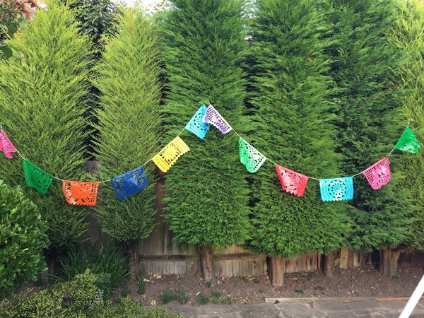 Outdoor Bunting | Outdoor Party Decorations | Waterproof Bunting | Outside Party Decorations | 5m 16ft Plastic Banner with 12 Medium Flags - ARTMEXICO
