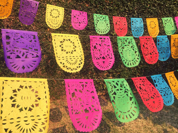 Mexican Bunting Papel Picado Party Garland | 5m / 16.4ft Colorful Banner with 16 Medium Sized Flags | Mexican Party Decorations