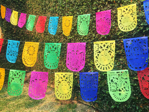 Mexican Bunting Papel Picado Party Garland | 5m / 16.4ft Colorful Banner with 16 Medium Sized Flags - ARTMEXICO