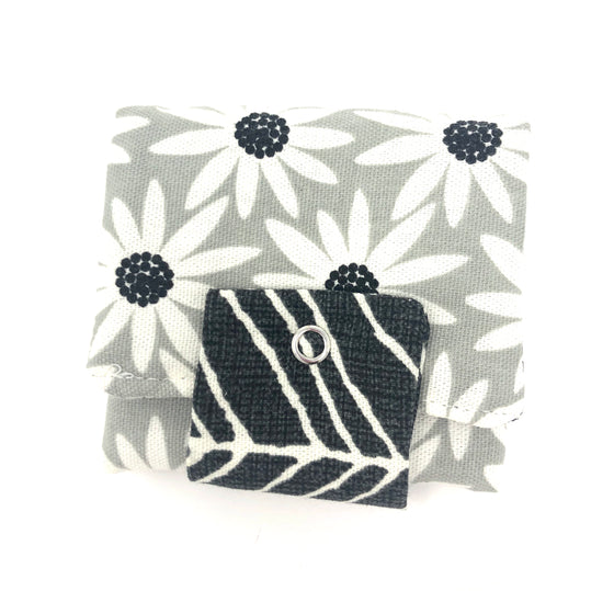 Roller Wallet (Gray White Floral)