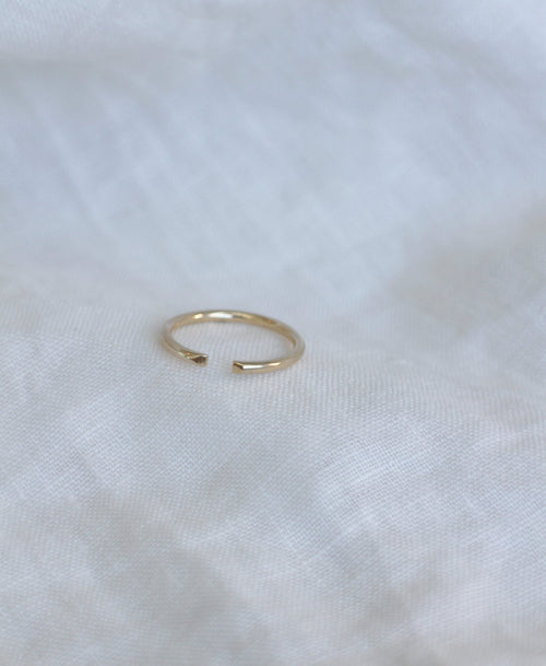 Paloma Band Plain | 14ct Yellow Gold