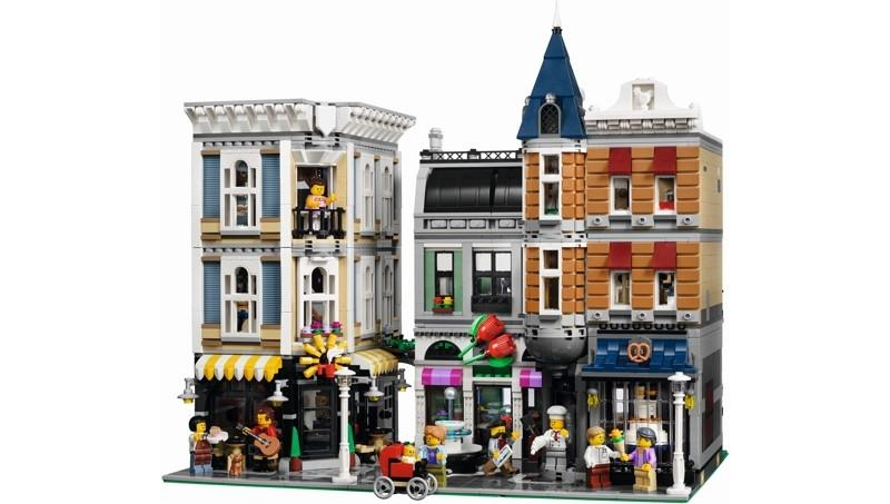 10255 Assembly Square - LEGO® Bricks World